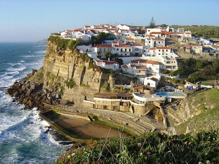 Azenhas do Mar along the coast of Colares