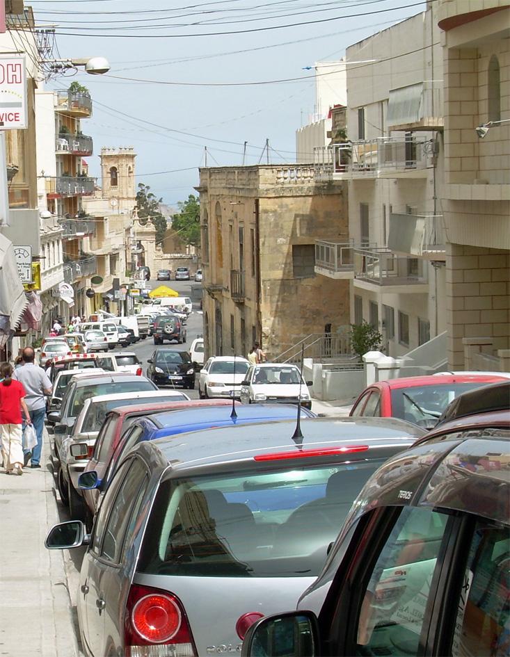 Maltan kaupungit ja automäärä