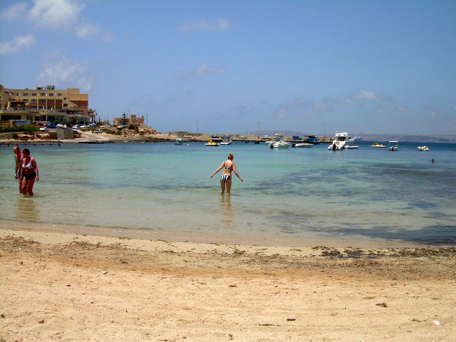 Ramla bay beach_2