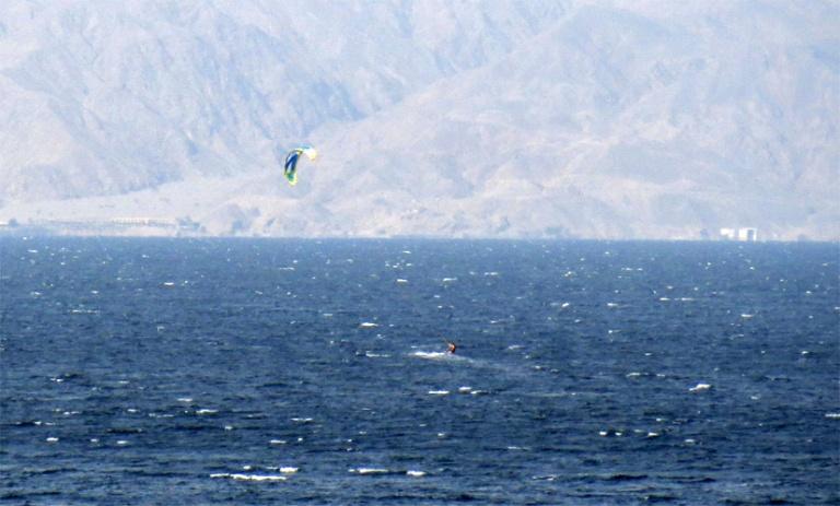 vesiurheilua tala bay
