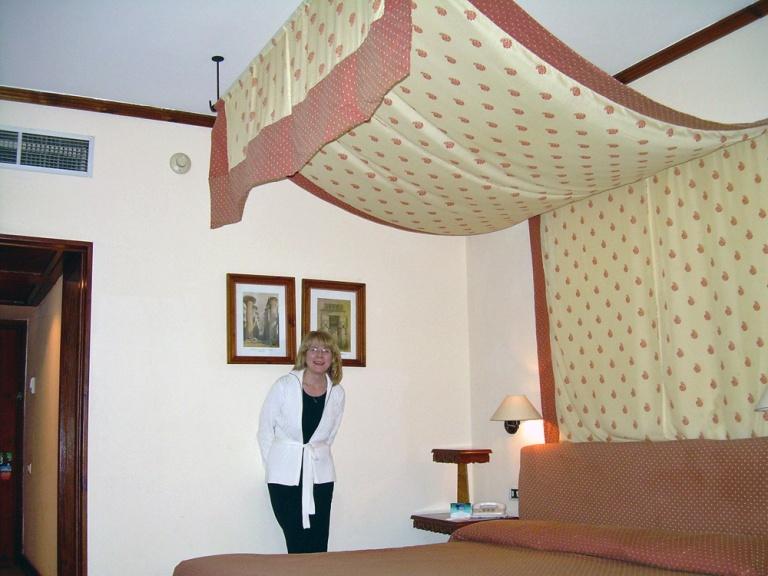 Johanna uudessa huoneessa