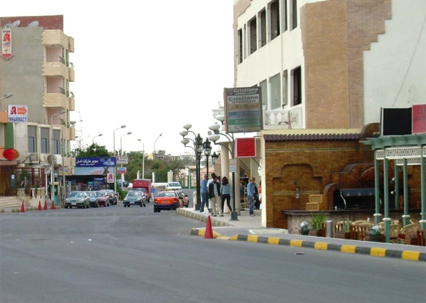 On the streets of Hurghada_1