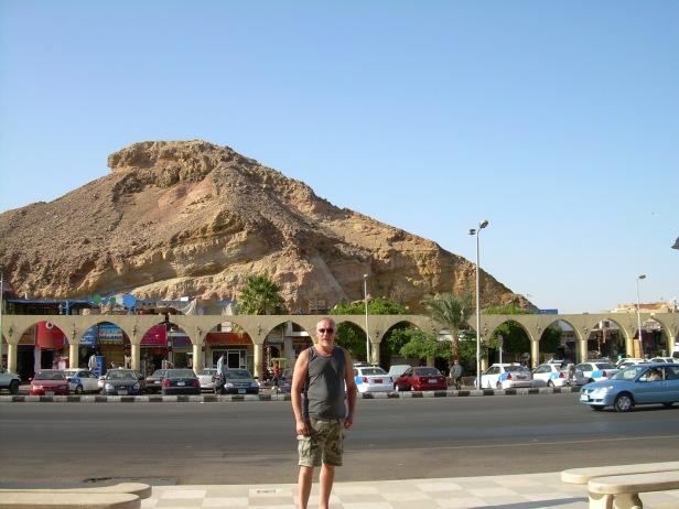 Sharm El Sheikhin basaarin edessä