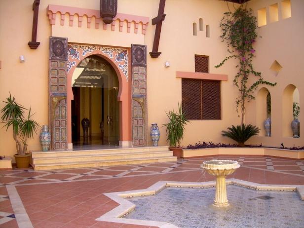 Coraya Bay Egypt_entrance to the hotel lobby