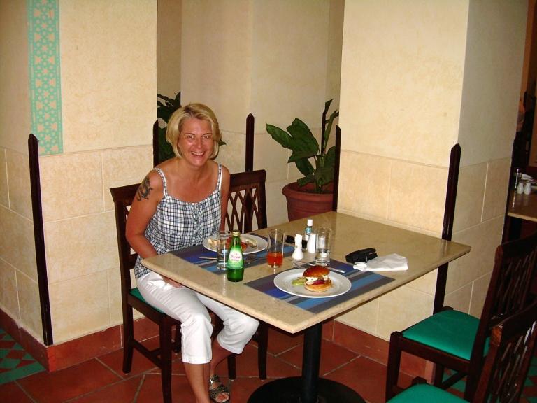 Coraya Bay Egypt_lunch time