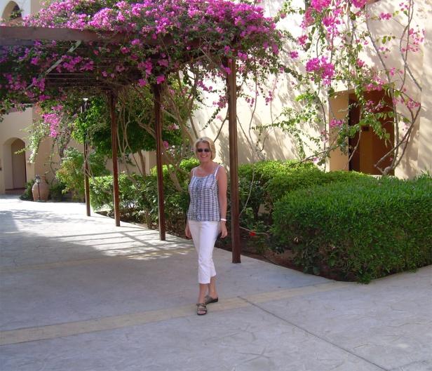 Coraya Bay Egypt_walking to the room
