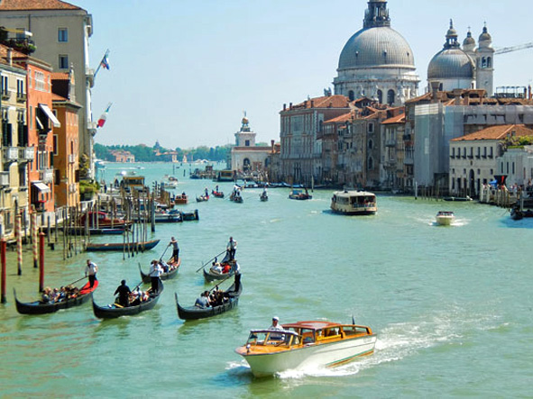 gondolit Venetsiassa