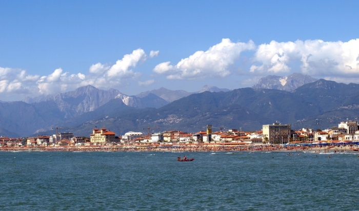The Med_Viareggio and the mountains