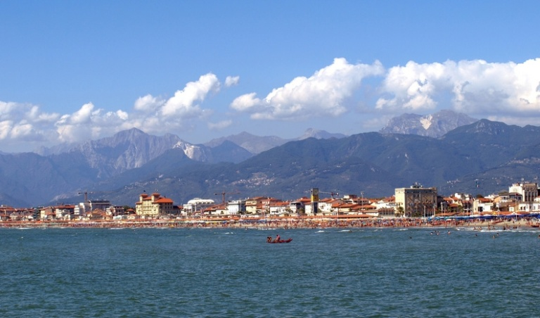 The Med_Viareggio and the mountains