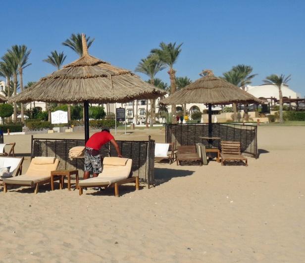 Beach boys made awesome beach beds
