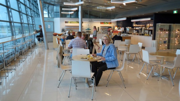 Finnair lounge breakfast before Pisa flight_2