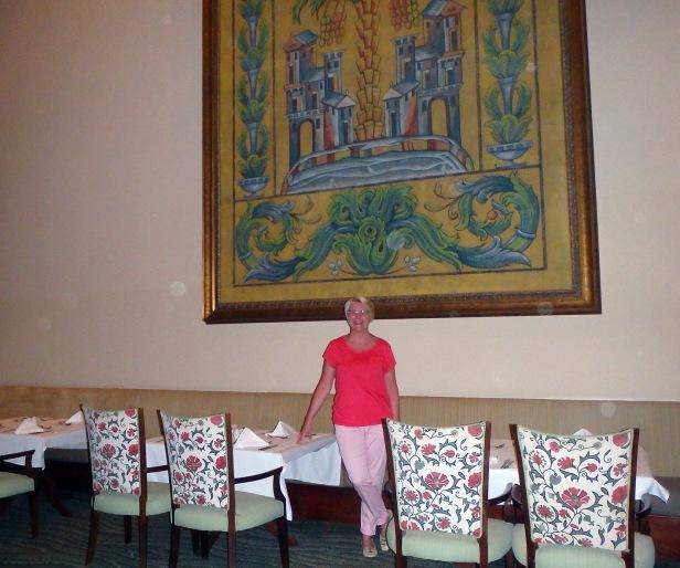 PG Olive ravintolan valtava taideteos