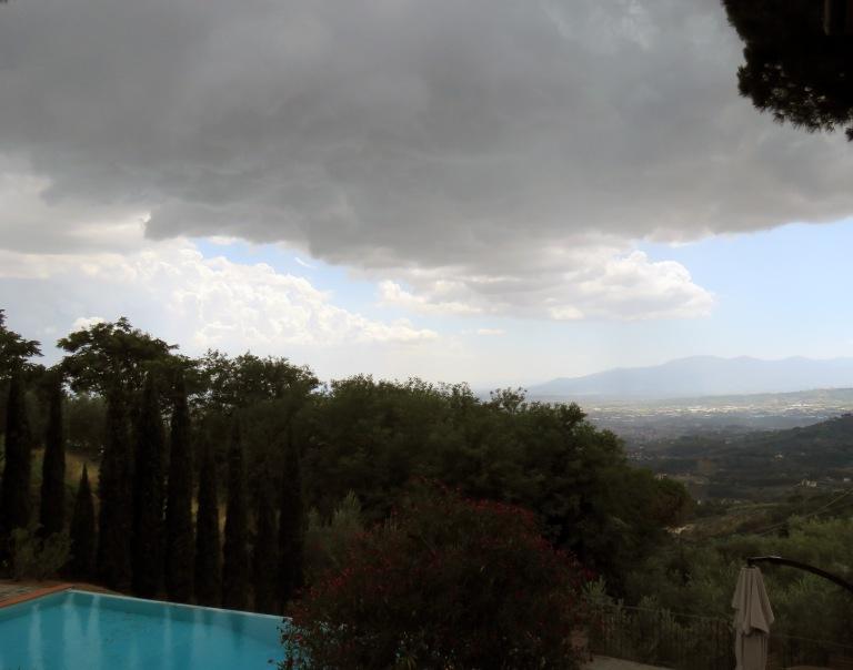 Thunderstorm arriving 3.jpg