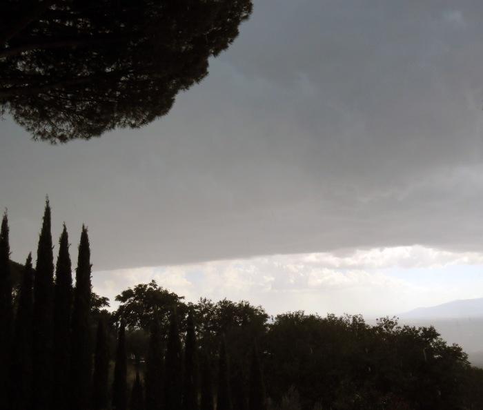 Thunderstorm arriving 5
